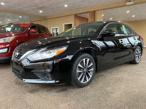 2017 Nissan Altima / under easy finance for Sale in Chicago, IL