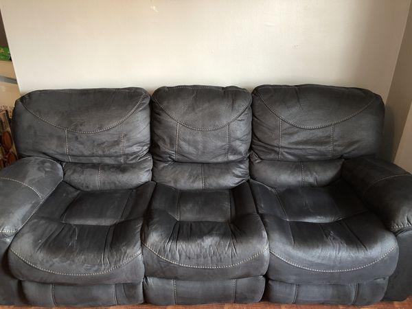 Black recliner sofas