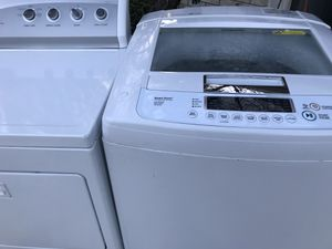 Lg with gas dryer for Sale in Sugar Land, TX