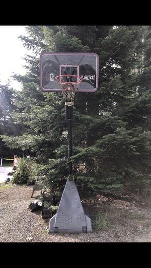 Huffy Sports NBA limited full size basketball hoop for Sale in Woodinville, WA