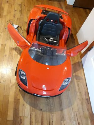 PORSCHE POWER WHEELS FOR KID'S WITH CHARGER AND BlATTERY LIKE NEW for Sale in Bellevue, WA