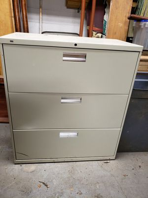 HON 3 drawer filing cabinet for Sale in Lexington, KY