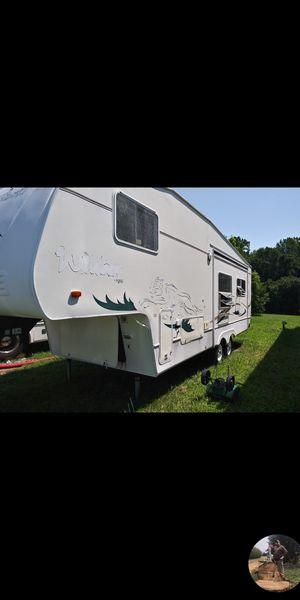2001 28ft couger fifth wheel with generator for Sale in Amelia Court House, VA