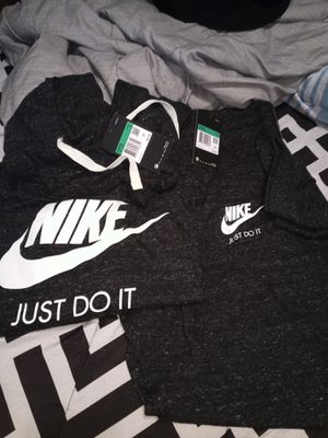 XL woman's Nike jogger outfit for Sale in Portland, OR