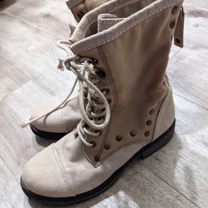Roxy Boots Size 7 Women's Textile Boots $10.00 for Sale in Seattle, WA