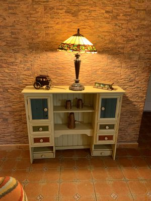 Stand - repisa - dresser-gavetero -cómoda for Sale in Homestead, FL