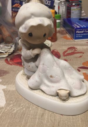 """Precious moments """"Love covers all"""" for Sale in Hayward, CA"""