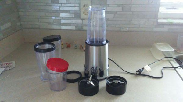 Cooks smoothie/shake blender