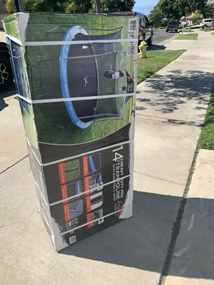 14 foot trampoline heavy duty for Sale in Corona, CA