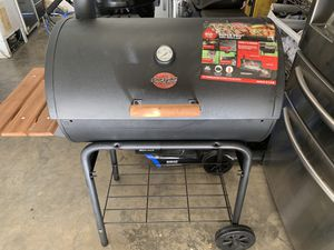 bbq charcoal grill for Sale in Perris, CA