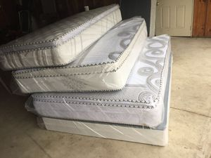 ORTHOPEDIC PILLOW TOP MATTRESS AND BOX SPRING for Sale in Robbins, IL