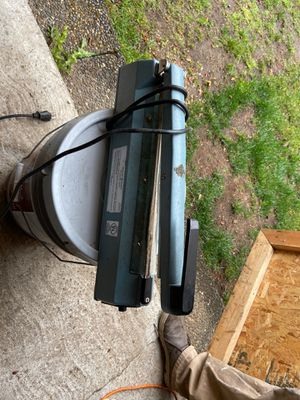 ELECTRIC SEALER FOR BUSINESS OR HOME USE for Sale in Bellevue, WA