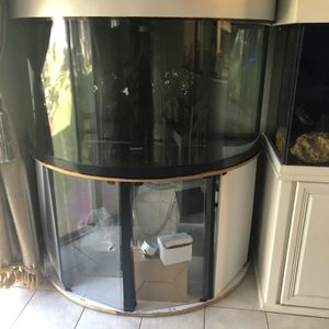 250 gallon large fish tank for Sale in Fort Lauderdale, FL