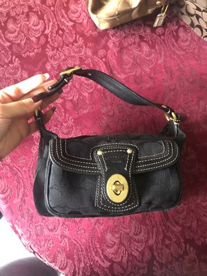 Authentic vintage coach bag for Sale in Queens, NY
