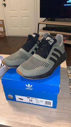 Adidas Swift Run Size 10 for Sale in Clovis, CA