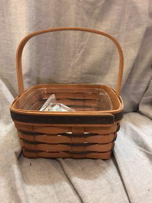 Small 1995 Longaberger Basket for Sale in Lilburn, GA