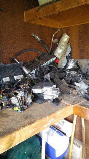 96 98 chevy parts 1500 4x4 tahoe&silverado for Sale in Salt Lake City, UT