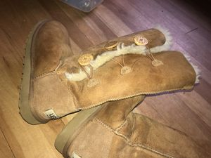 Uggs sz-6-6.5 for Sale in Houston, TX