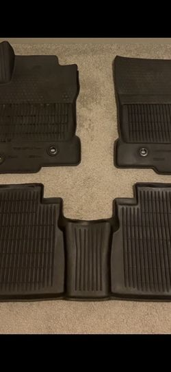 LEXUS NX200T NX300h (2015-2018) ALL WEATHER RUBBER MATS Genuine for Sale in Cleveland,  OH
