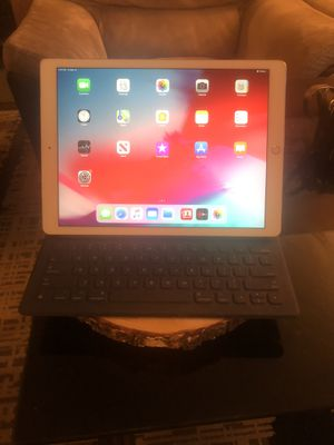 New iPad Pro 1 128g. Unlocked. 12.9 inches. for Sale in Falls Church, VA