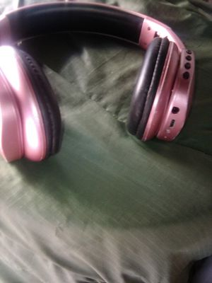 I world beats Bluetooth headphones for Sale in Austin, TX