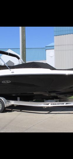 Custom Boat Cover For A 2018-2020 Spx 23 Inboard for Sale in Belle Isle,  FL