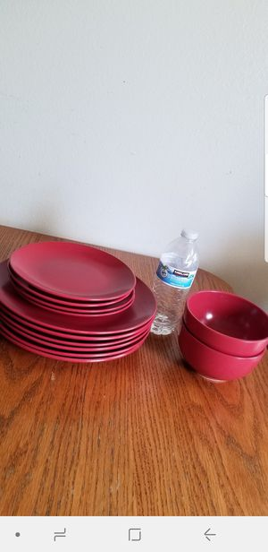 Set of 12 pieces plates for Sale in Anaheim, CA