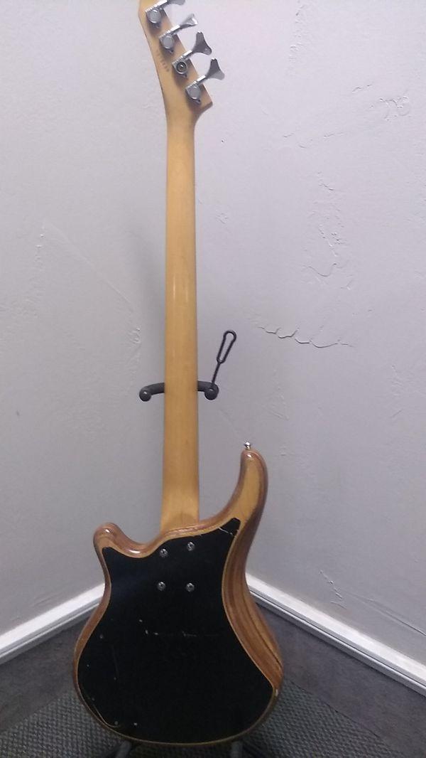 89 Washburn B2 bass with gig bag