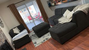 4 piece grey sectional with Ottoman for Sale in Garden City, MI