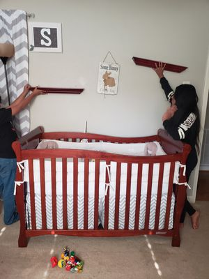 Crib baby and changing table for Sale in Greenville, SC