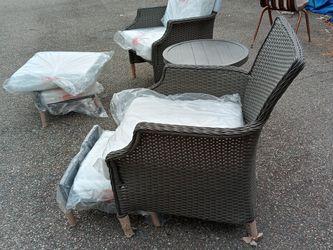 5 Piece Hampton Bay Chair Set for Sale in Crewe,  VA