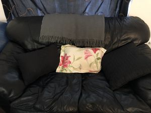 Black leather couch for Sale in West Palm Beach, FL