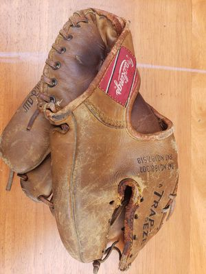 Vintage Rawlings Trap Exe TG700 Baseball Glove for Sale in West Covina, CA