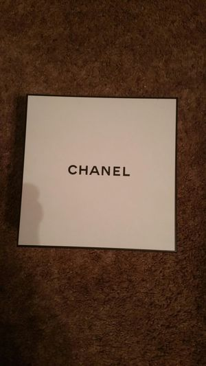 Chanel box for Sale in Cleveland, OH