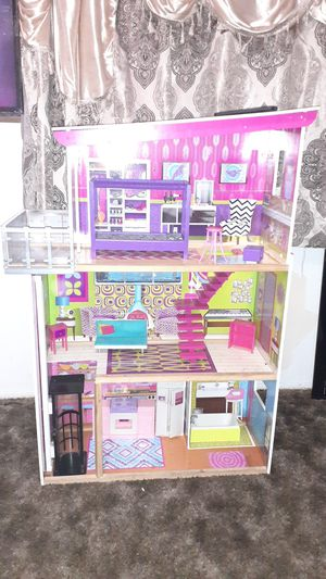 4ft doll house for Sale in El Monte, CA