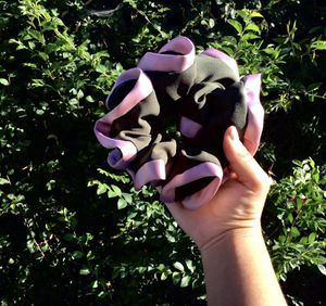 Forest Green and Pink Scrunchie for Sale in San Bernardino, CA