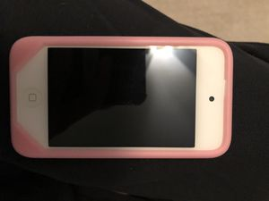 iPod touch 4 gen 8 gb for Sale in Gaithersburg, MD