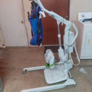 Liko Sabina 2 Medical Combo Lift for Sale in Euless, TX