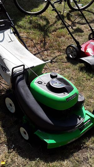 Lawn mower 3-speed self-propelled bagger or mulcher 6.5 horse excellent condition runs great for Sale in Wichita, KS