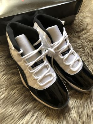 Nike Air Jordan 11 Retro Men's Shoes - White And Black/Concord, 10.5 US for Sale in Overland, MO