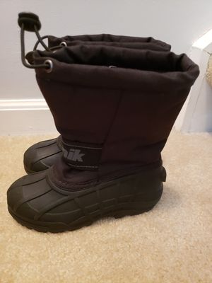 KAMIK kids winter boots size 11, toddler size 11 snow boots for Sale in Centreville, VA