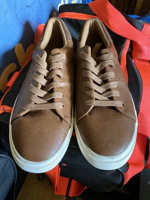 Brand New Pair of Express Mens Shoes size 9 for Sale in Fresno, CA