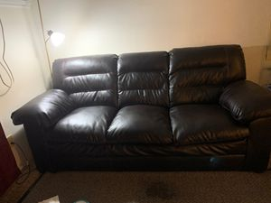 Leather sofa for Sale in Des Moines, IA