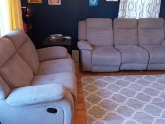 Recliner Loveseat And Couch for Sale in Southgate,  MI