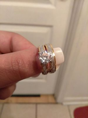 2pcs Fashion Zircon Double Ring Titanium Steel Wedding Rings for Women for Sale in Nashville, TN