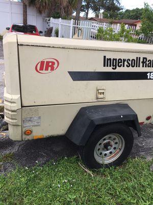 185 Air Compressor great condition for Sale in Hallandale Beach, FL