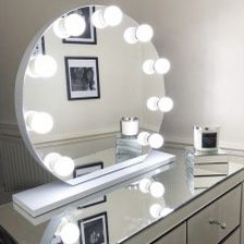 "New in box $150 Round 28"" Vanity Mirror w/ 10 Dimmable LED Light Bulbs, Hollywood Beauty Makeup USB Outlet for Sale in Whittier, CA"