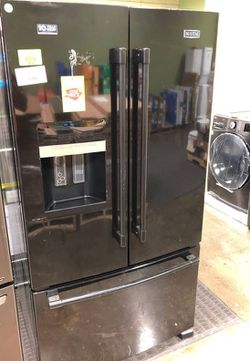 Maytag French Door Refrigerator in Black I7 for Sale in Irving,  TX