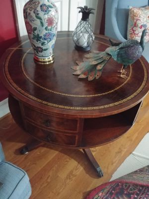 Heirloom Quality Furniture Weiman Drum Table 36x28 for Sale in Richmond, VA