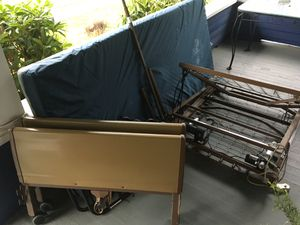 Semi motorized adjustable bed for Sale in Tacoma, WA